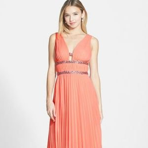 New Hailey by Adrianne Papell V-Backless Dress